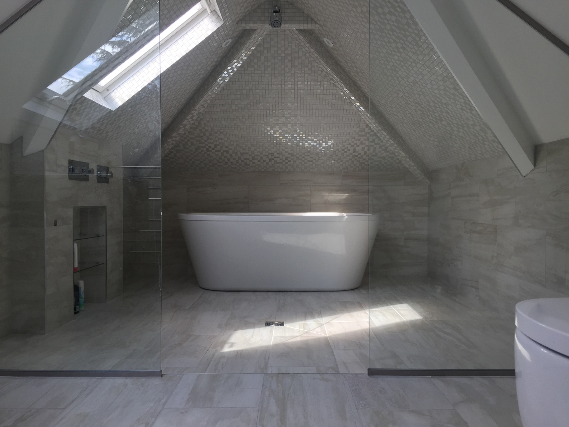 Hale Guest Ensuite Stunning Mosiac Tiled Wetroom in Attic room